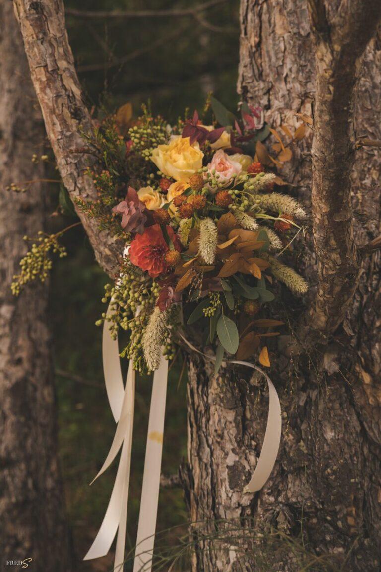 inspiration-mariage-douceur-automne-bouquet-mariee-rubans-couleurs