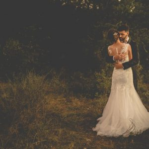 inspiration-mariage-douceur-automne-couple-robe-mariee