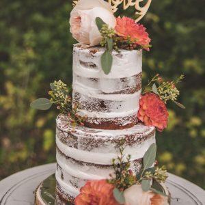 inspiration-mariage-douceur-automne-gateau-etages-fleurs