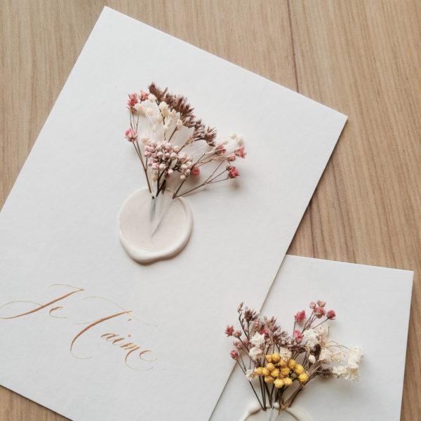 Petit mot fleuri et cachet de cire