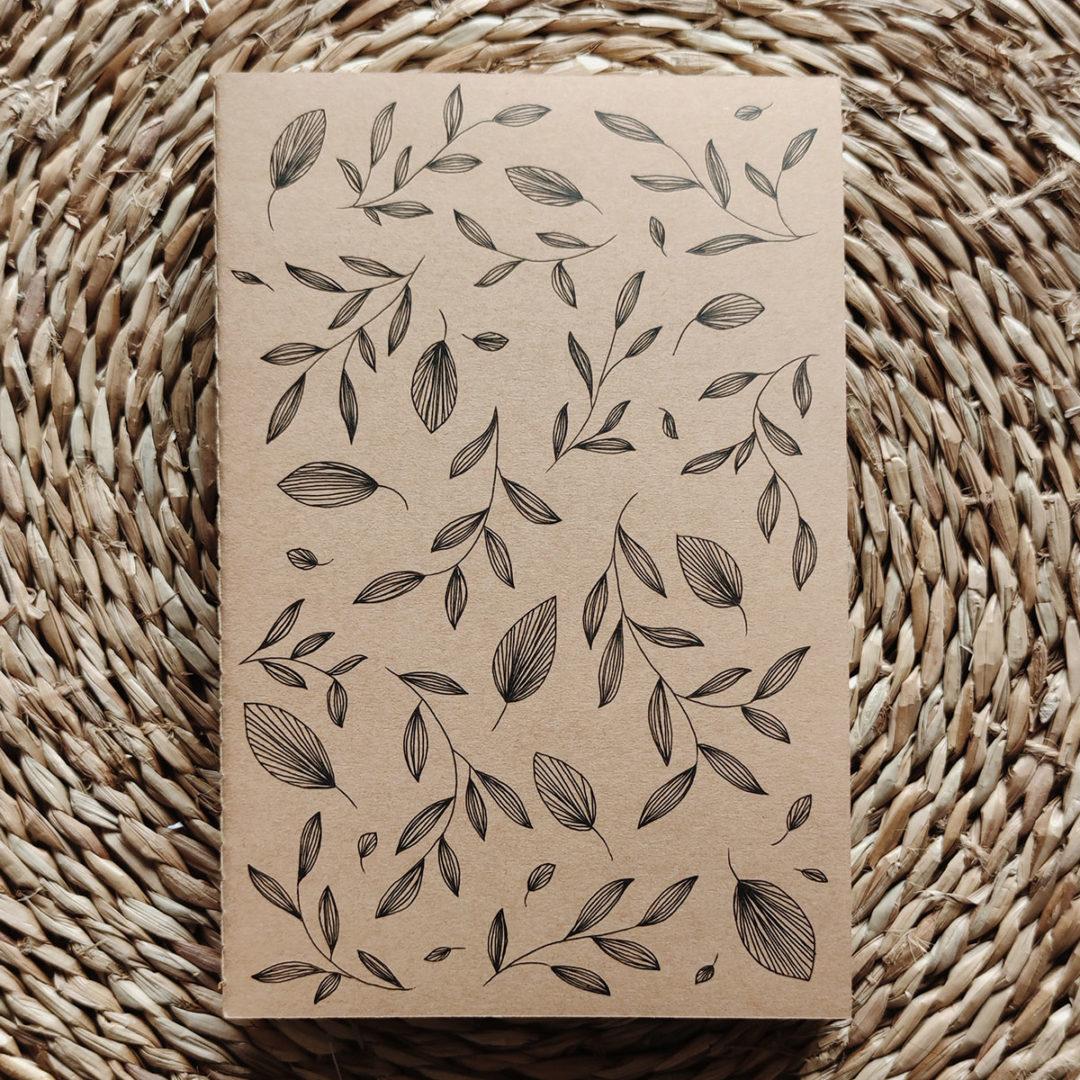 feuilles-automne-carnet-kraft-illustre-main-a5