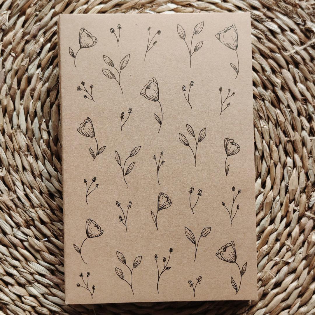 petites-fleurs-carnet-kraft-illustre-main-a5