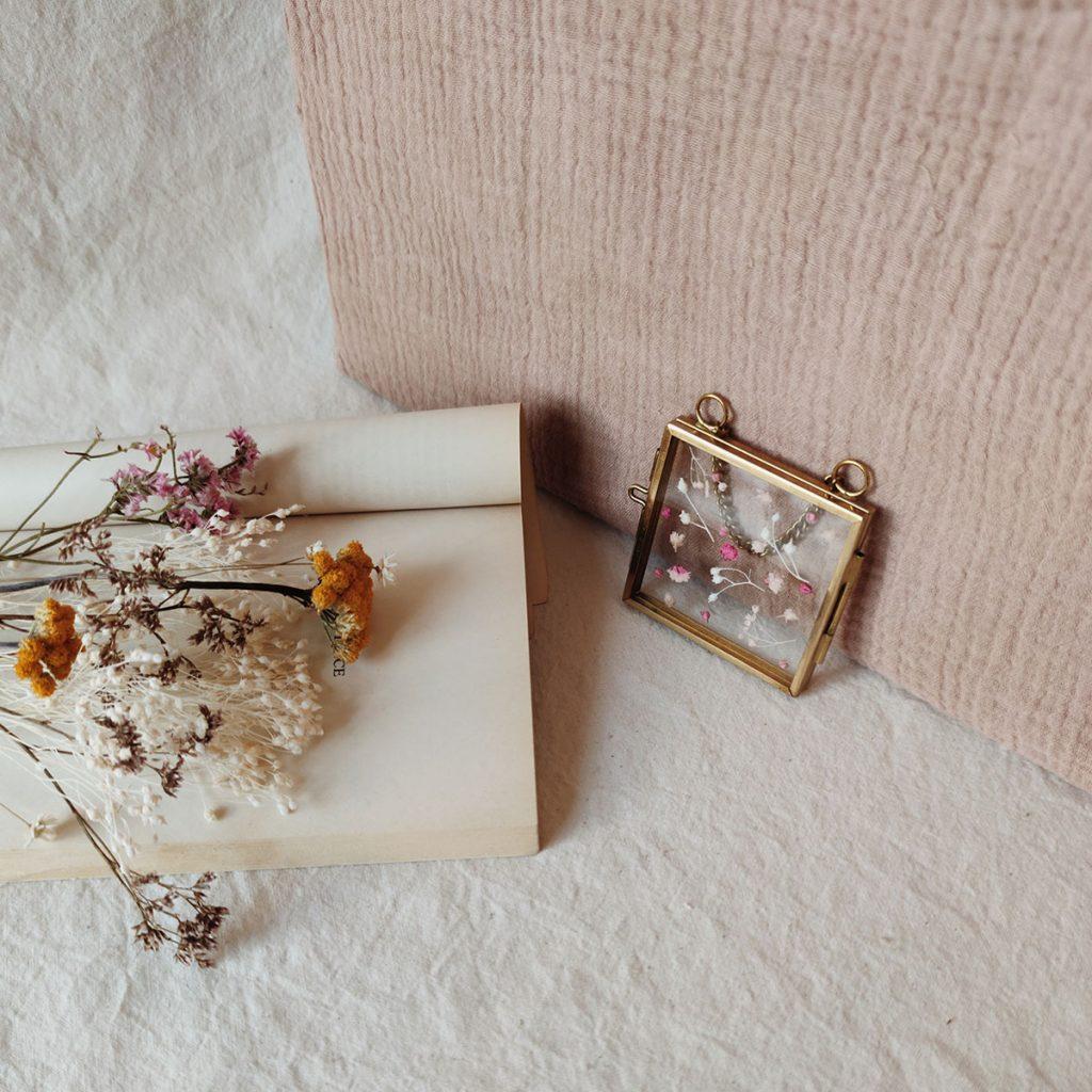 mini-cadre-herbier-fleurs-sechees-personnalisation