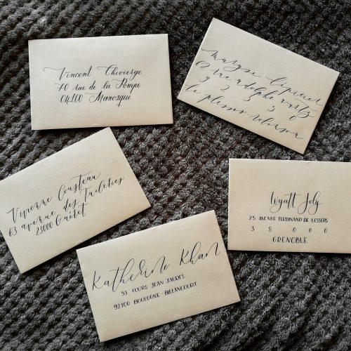 Adresses calligraphiées sur enveloppes pour mariage