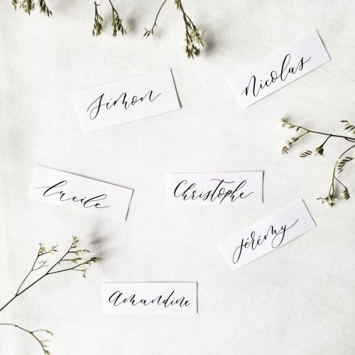 Marques-places calligraphie prénoms pour mariage